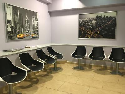 Sala de espera Clínica Gros